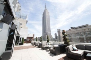 Bag End pumps up the volume at Monarch Rooftop Lounge with a view of the Empire State Building